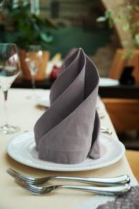 restaurant_table_setting